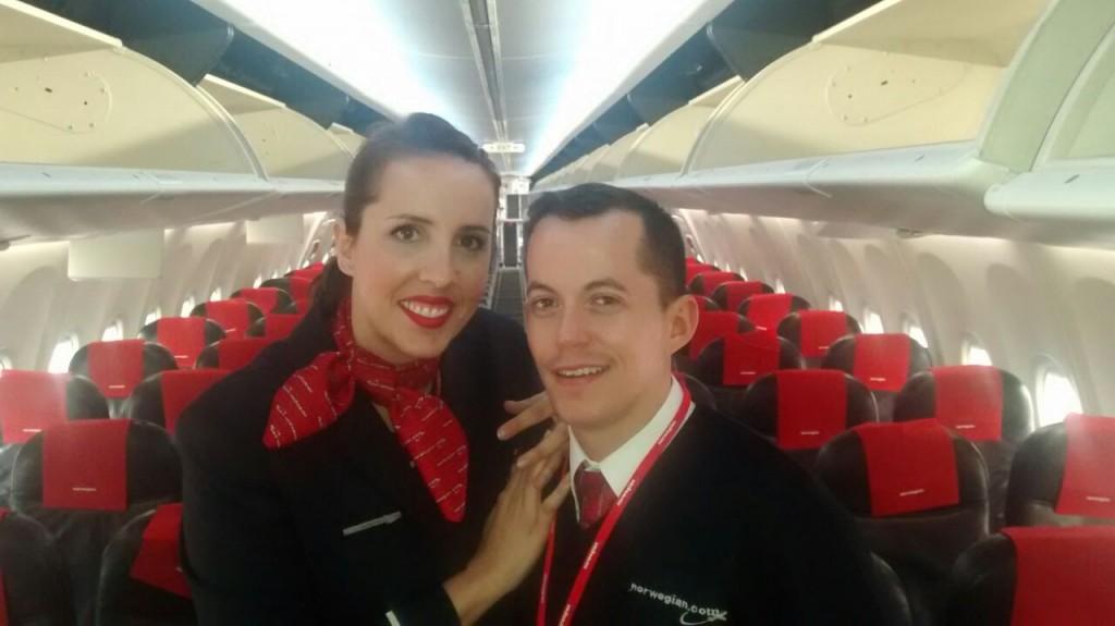 Oferta de empleo tcp norwegian busca auxiliares de vuelo for Trabajos de verano barcelona